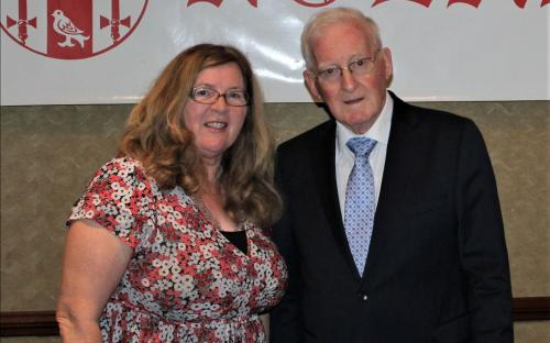 l-r: Nuala Nolan with her brother Des Nolan at the 2019 Nolan Gathering Dinner